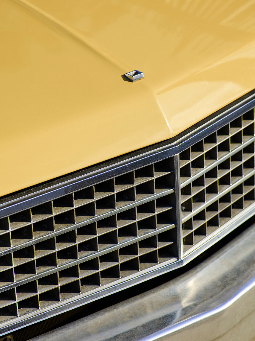 RH_Lifestyle_2019_textures_YellowCar_02613